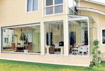 Balcones con estilo e innovación en ahorro energético I / Imágenes de balcones acristalados sin perfiles, que tienen una innovación asociada increíble.  Las Cortinas de Cristal que tiene instaladas son de máxima caldiad.