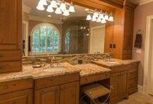 Lakehouse Retreat Master Bath in Oconee, GA / Lakeside retreat master bath