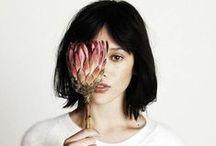 • Flora •