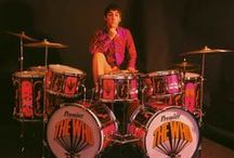 Awesome Drummers and Drum Kits / Awesome Drummers and Drum Kits from around the world. Who is your favourite drummer and why? What's the most amazing drum kit you have ever seen?