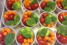 TOMATOES Rock in School Meals / Tomatoes, tomatoes and more tomatoes ... raw, cooked and even dried ... kids love tomatoes!!