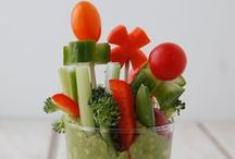 FRUIT & VEGGIE BOUQUETS Rock / Gorgeously healthy ways to celebrate with fruits and vegetables