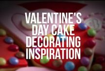Valentine's Day Cake Decorating Inspiration / Romantic baking and cake decorating ideas for fondant icing and flower paste