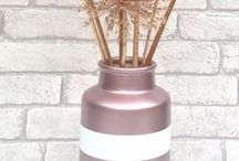 Rose Gold / Introducing the latest addition to the PlastiKote spray paint family – Rose Gold! It's THE precious metal and interior metallic of the moment and this spray paint version makes it easy to add a Rose Gold accent to any room. Spray frames, vases, lamp stands, almost anything! Available in 100ml or 400ml cans, it's an affordable way to keep up with the trend.