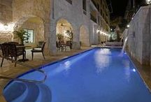 Hotels - San Antonio,  Texas, USA / Hotels in San Antonio, Texas, USA  www.HotelDealChecker.com