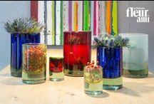 LUXO COLOR / The glass vases LUXO COLOR set beautiful, colorful summer accents on tables & consoles. ▪ Die LUXO COLOR Glasvasen setzen schöne, sommerlich bunte Akzente auf Tischen & Konsolen.