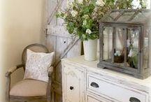 Master Suite / Bedroom décor idea / by Connie Duane