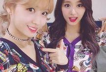 Twice Momo & Tzuyu