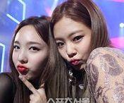 Twice Nayeon & Jennie
