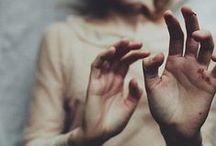 Speaking (of) hands