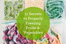 {food} freezer meals / A collection of delicious recipes that can be frozen ahead of time!