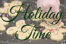 Holiday Time / Christmas, Xmas, holiday dinner, holiday recipes, table setting, red and green, red, green, Hanukkah, holiday cookies.   www.bigkitchen.com