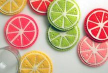 {diy} yarn & felt crafts / A collection of amazing crafts you can make with yarn & felt
