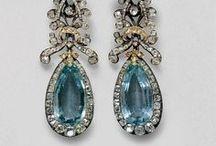 náušnice / earrings