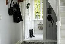 Hall {hallway} / Tankar kring inredning i hallarna