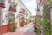 Rincones de Estepona / Disfruta de las imágenes más bellas de Estepona, municipio de Málaga, situado en la Costa del Sol.  Sierra Bermeja se alza en esta localidad que cuenta con más de 23 Kilómetros de playas, para disfrutar del mar y el sol.