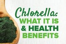 Organic Chlorella / Chlorella is a nutritious green wholefood supplement that you can add to your diet