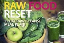 Raw Food Recipes / There's no doubt that eat more raw fresh fruit and vegetables improves health and wellbeing. It's a fact that cooking destroys many of the enzymes and nutrients we need for optimum health. Here you can find raw food recipes so you won't get too bored eating the same old things. Enjoy!
