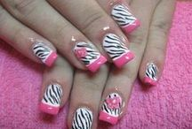 nails / by Julia Phelps