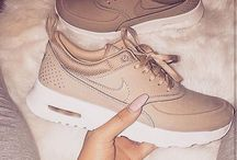 SHOEBOX. / Shoes, sneakers and more.
