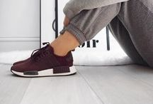 ▲ Je porte des sneakers