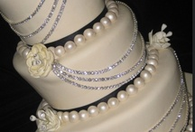 Wedding - Cakes & Other Goodies / Ideas for cakes and other goodies / by Talia Fuchtler