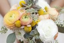 Bridal Bouquets / Ideas of Bridal bouquets for a wedding in Santorini
