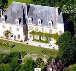 Chateau Dordogne / Profitez de cette propriété de charme qui domine depuis plus de cinq siècles cette vallée millénaire. La Vallée de la Dordogne possède des paysages remarquables dans un cadre idyllique propice à de nombreuses activités de pleine nature.  Vous pouvez ainsi découvrir toute sa beauté le long de ses chemins de randonnée comme celui de Saint-Jacques-de-Compostelle, ses routes pittoresques ou ses cours d'eau.  Savoir plus : http://goo.gl/Wflr7l
