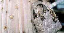 #Taschenliebe / Frauen haben sie immer dabei, lieben sie heiß und innig und können nie genug von ihnen bekommen - TASCHEN ♡ Was wäre eine Frau nur ohne ihre Tasche?  Auf dieser Pinnwand findet ihr tolle neue Anregungen für die nächste 'Investition'. ;)