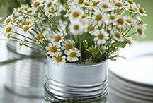 Bordekning ute og inne. / Blomster, lys, lysekroner m.m.....