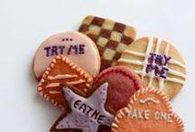 Tea time in Wonderland / All Alice in wonderland related, tea parties, magical cookies ....