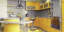 Cuisines en Couleurs : Jaune / Aménagement de cuisine colorée - Donnez une bonne dose de vitamines C à votre cuisine avec du jaune ambré ! Pour une cuisine dynamique et design.