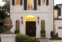 Charming exteriors / #exteriors #frontdoors #storefronts