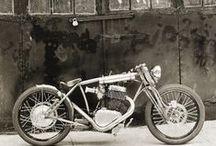 Motorbikes / Vroom vroooommmm...