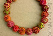 jewelry felting, huovutettu koru