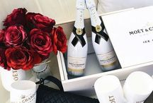 Luxury Gifts For Mums / Beautiful gifts to treat mum on any occasion as #MumsDeserveLuxury.