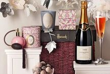 Mother's Day Gifts / Every mum deserve a luxury treat on Mother's Day.Get some inspiration from with our top picks of Mother's Day Gifts. #MumsDeserveLuxury