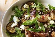Les plats diététiques / C'est parti, on met les petits plats dans les grands, on savoure jusqu'à la dernière miette ces succulentes recettes aussi variées les unes que les autres.