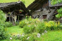 Stone Roofs / Roofing in alpine regions made from slate, tetto piode, lohss, or granite