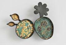 I've got a wonderful brooch... / Wonderful brooches design