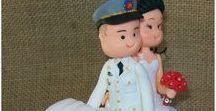 Noivinhos Fofinhos Personalizados Biscuit - Topo de bolo / Noivinhos de Biscuit Personalizados -Topo de bolo - Noivinhos Fofinhos. Aceitamos Encomendas para todo Brasil via sedex.  NOIVINHOS DE BISCUIT ANDRÉA ROCHA  Informações:(51) 99894 6116 whats email: noivinhosandrea@g... A tradição do casal de noivos no topo de bolo é muito antiga, porém atualmente os noivinhos são muito mais interessantes e divertidos.Os noivinhos personalizados são o destaque do bolo, é uma linda lembrança para ser guardada.