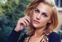 meryem uzerli / Born August 12, 1983 (age 31) Kassel, Germany  German, Turkish Actress and model Daughter: Lara uzerli