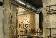 Diseño interior espacios industriales / En el mundo existente fantásticos ejemplos de interiorismo tanto de zonas comunes de Edificios industriales como de oficinas, lofts, restaurantes...