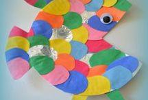 papírové talíře a CD
