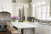 Traditional Kitchen Inspiration / An inspirational board for Traditional Kitchen accessories and decorations ideas.