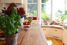 Country Kitchen Inspiration / A creative board with design and decorative ideas for the perfect country kitchen.