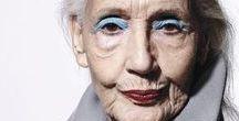 embrace your age / La beauté n'est pas seulement liée à la jeunesse. Elle est partout où l'être dévoile son authenticité. Ce tableau réunit des visages de femmes célèbres ou inconnues qui irradient quel que soit leur âge.