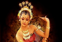 Javanese Classical Dance / Indonesia is a country that has a rich culture and arts. Dances from Java, was just one of thousands of traditional dance which is owned by Indonesia