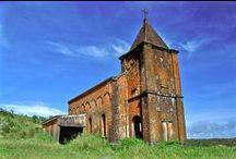 Bokor church / Eglise du Bokor / Old catholic church of Bokor. Constructed: 1928