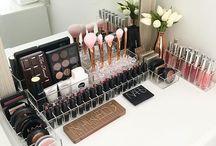 Beauty | Aufbewahrung / Schminktische, Schminkaufbewahrungen und Makeupsammlungen, die mich faszinieren und inspirieren